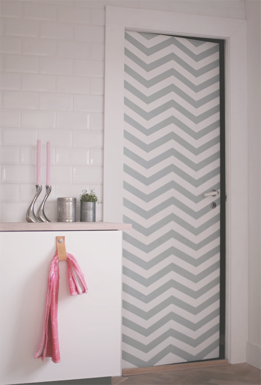 chevron door would look cool in our bathroom