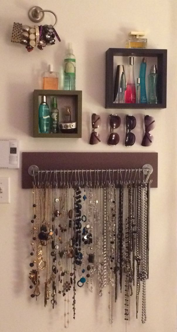comment organiser ses colliers bracelets parfums et lunettes de soleil barre support bygel. Black Bedroom Furniture Sets. Home Design Ideas