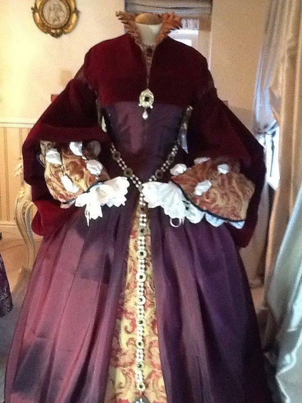 tudor gown gallery - Tudor Gowns -Tudor Dreams | elizabethan + tudor ...