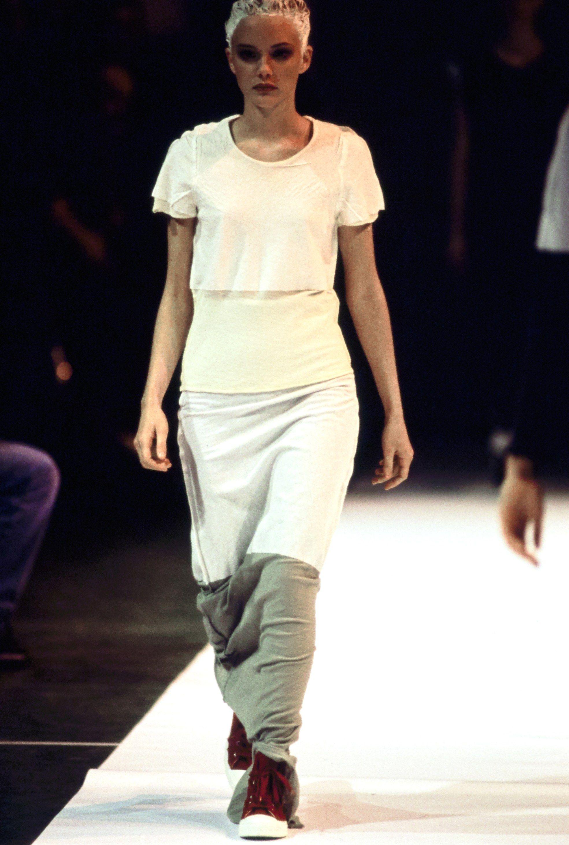 Comme des Garçons Spring 1994 Ready-to-Wear Fashion Show