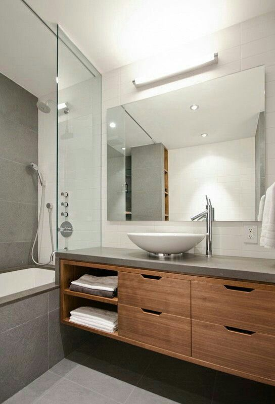 Bagni piccoli bellissimi beautiful piccolo ma elegante bagno che utilizza il marmo bianco su - Bagni bellissimi moderni ...