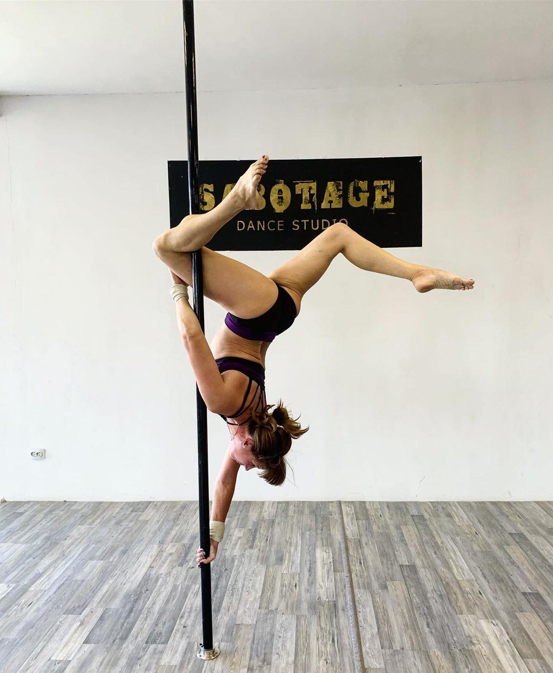 Утра бодрого😃 Славного денёчка 🙌 Сегодня по расписанию: 🦋15:00 Pole Dance (НАСТЯ) 🦋16:00 Strip Plast...