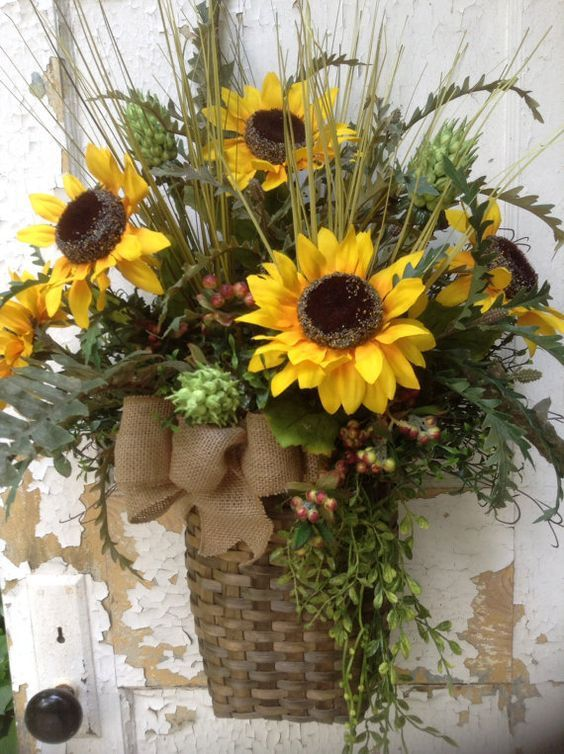 There Are A Variety Of Baskets At Hobby Lobby Use Your Imagination And Create Your Own Lovely Front Door Sw Flower Arrangements Wreath Decor Sunflower Wreaths
