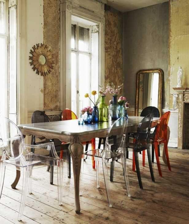 Tavolo Antico Con Sedie Moderne.Abbinare Un Tavolo Antico Con Sedie Moderne Da Kartell