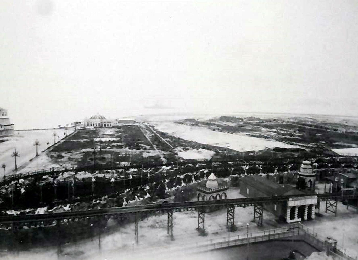 Parque de diversões no aterro da Glória, decada de 1920.  https://www.facebook.com/Guarantiga?fref=ts