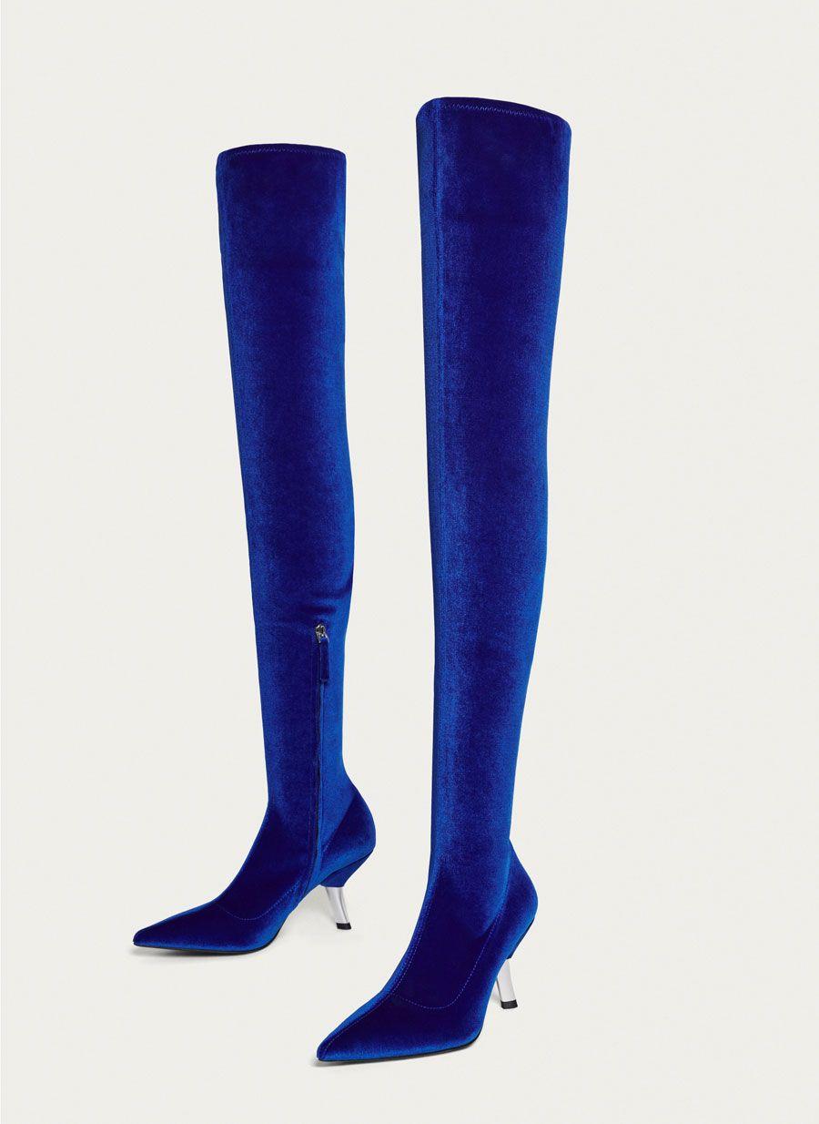 size 40 e2fe1 7a53e Bota XL terciopelo azul eléctrico - Botas - Calzado - Uterqüe España