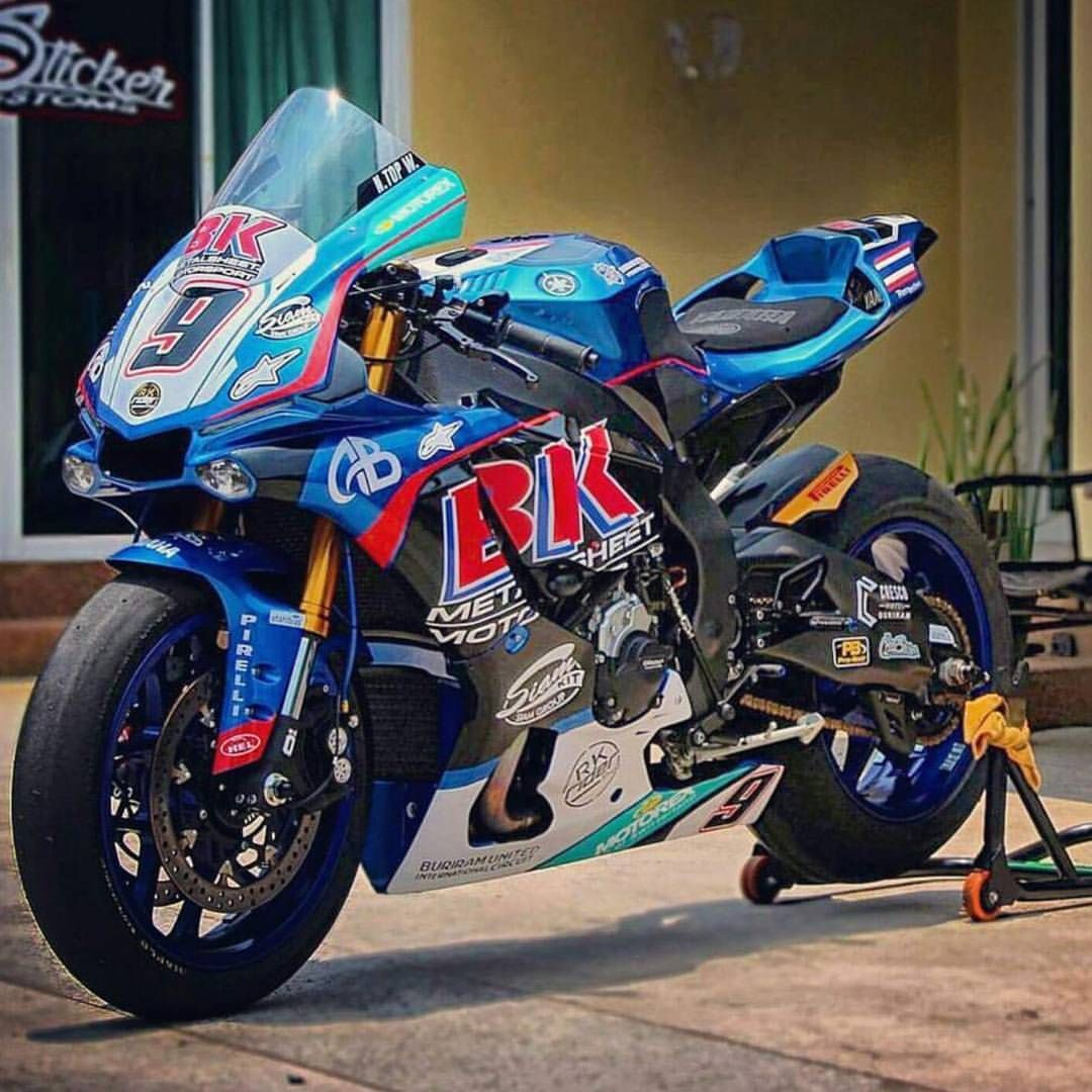 Yes or no? R1R1MYZFYAMAHA chairellbikes4life Motos