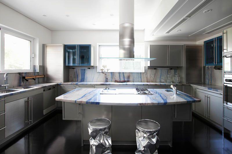 Küche verschönern mit Arbeitsplatte aus blauem Marmor - küchen unterschrank mit arbeitsplatte