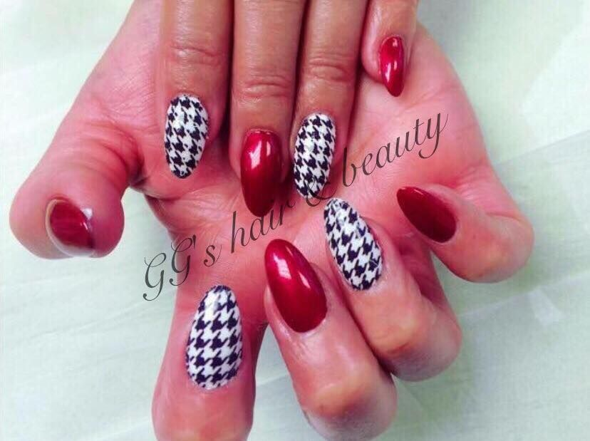 Book in for nails at GG\'s hair and beauty salon this week!! Full set ...