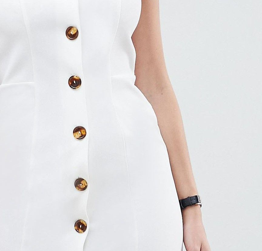 db5f11174ceb8 DESIGN v neck dress with faux tortoiseshell buttons