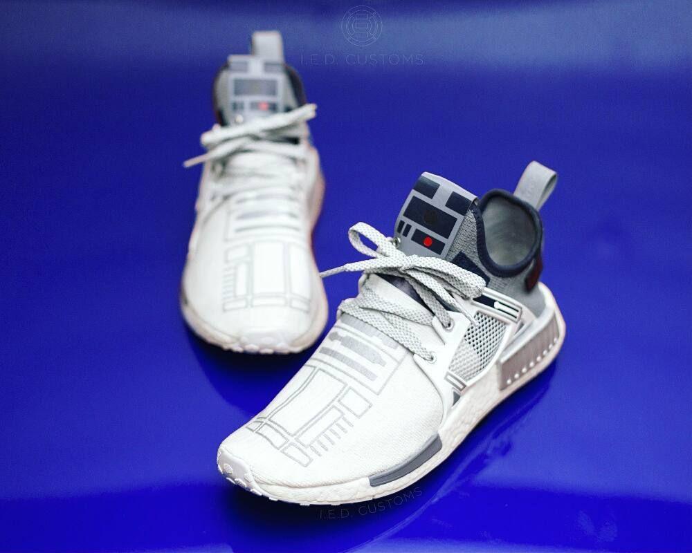 9022746118042 R2-D2 Custom adidas NMD XR1