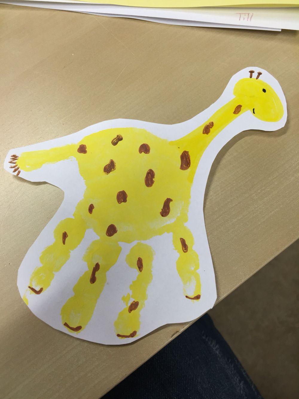 giraffe handabdruck basteln u3 pinterest basteln basteln mit kindern und giraffen. Black Bedroom Furniture Sets. Home Design Ideas