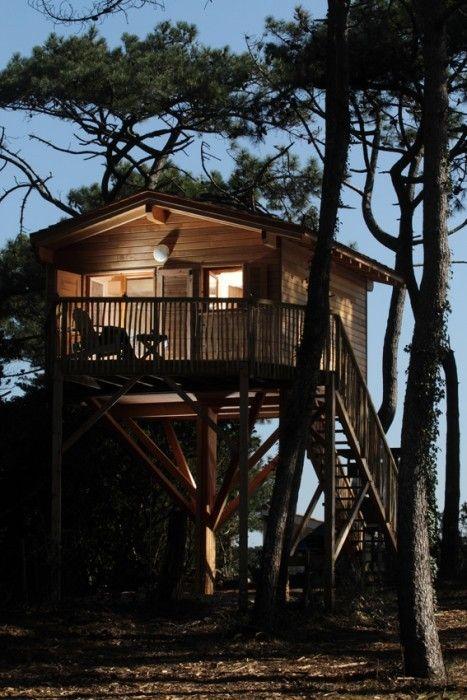 Hébergement insolite » Vacances originales dans ce chalet en bois sur pilotis