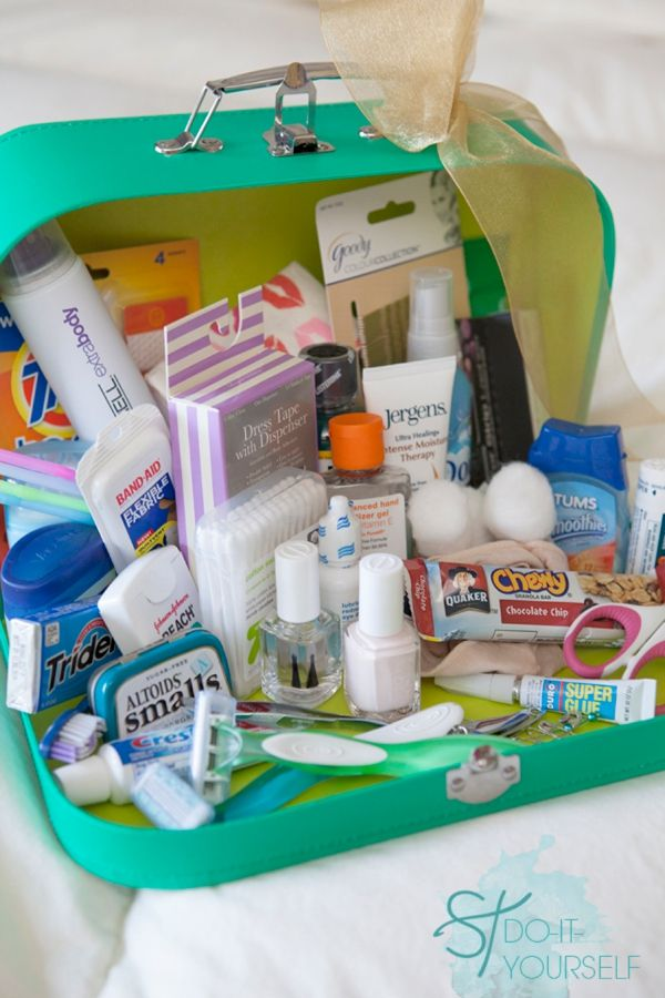 The ultimate easy DIY wedding idea: your wedding day emergency kit! We love this tutorial from @jencarreiro! Also a great gift idea for a bride! | http://www.weddingpartyapp.com/blog/2014/10/09/wedding-day-emergency-kit-ideas/