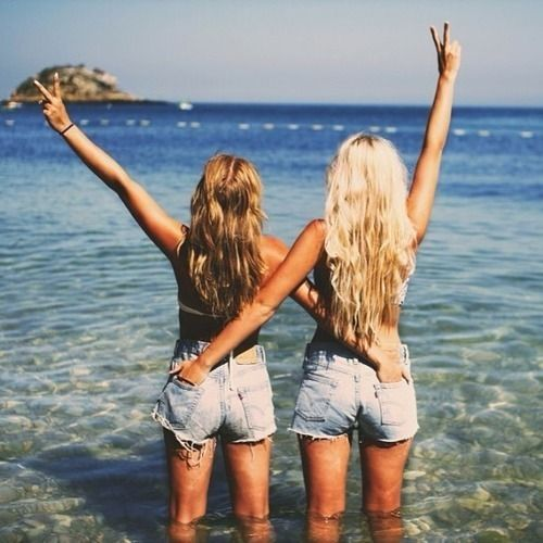 @Lauren Davison Davison Davison Davison reilly we should take a pic like this if we go on vacation together #quotes