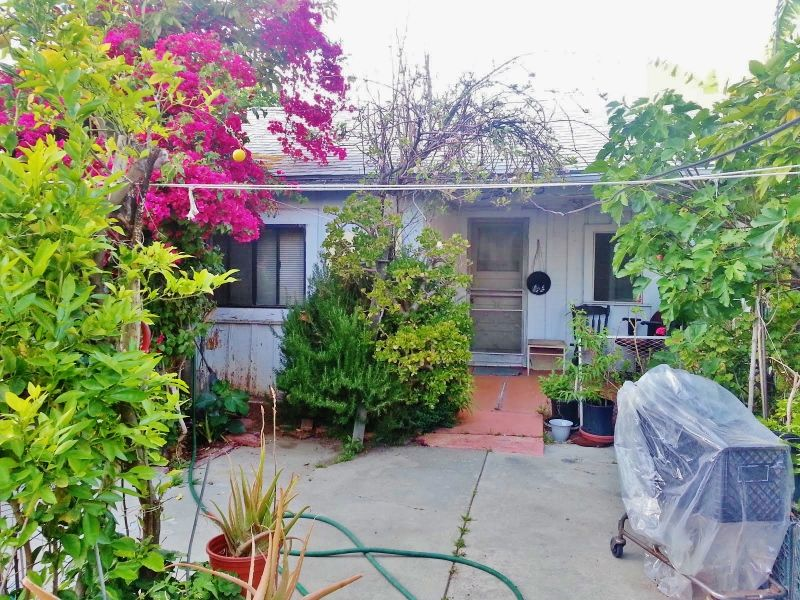 New Listing! -- 43 Plametto Dr. Pasadena, CA Asking: $699,000  Don't let the overgrown bushes fool or scare you away. Behind all the plants lie 2 houses on a lot walking distance (2 short blocks) from Old Town Pasadena. The front home is a 2 bd 1 ba and is approx 930 SF large. Rear unit is 1 bd 1 ba home and is approx 512 SF large. Lot is zoned PSC comercial* Let us know how our Ladies & Gentleman of Real Estate Heaven can help you! Please contact us at (626) 399-0223 to schedule a private…
