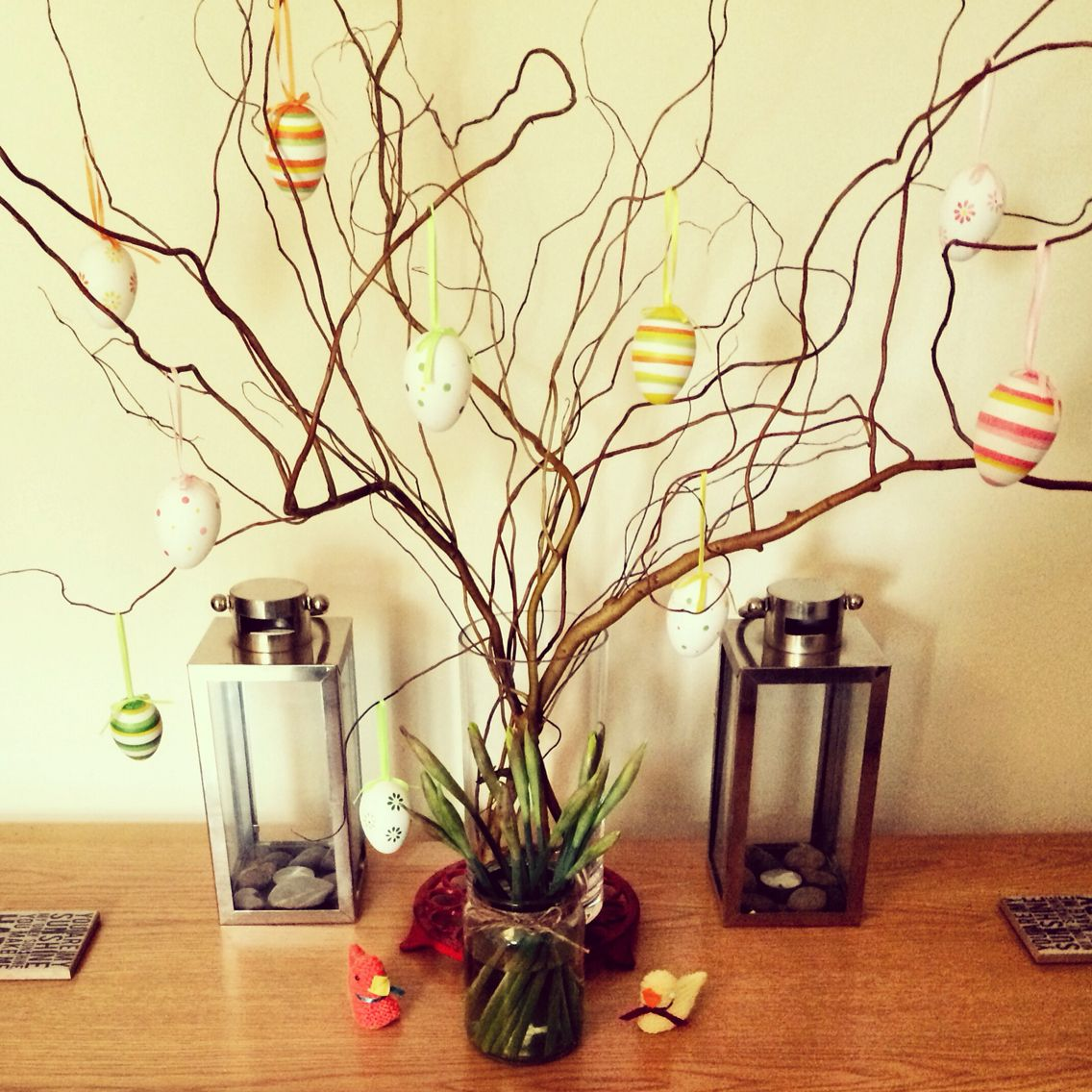 Easter table willow centrepiece