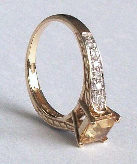 Beautiful Citrine & Diamond Ring