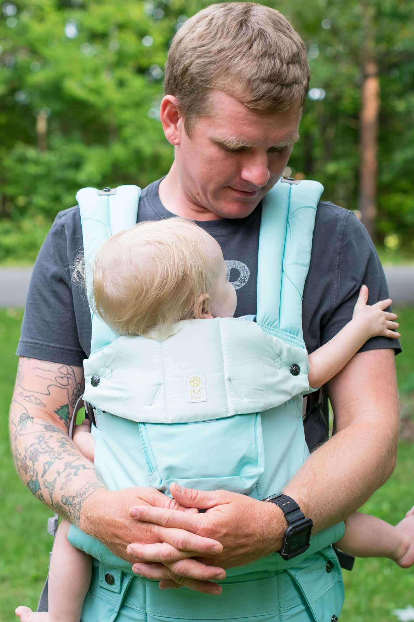 c2d25a210fd Lillebaby Complete Organic Carrier Review