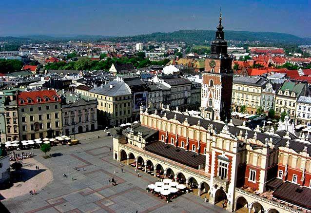 Viaje maravillas polonia Plaza Cracovia Polonia