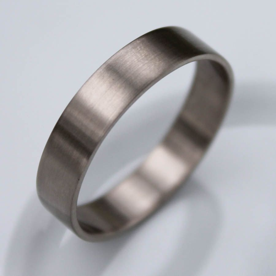 Mens 10K White Gold 4mm Flat Traditional Wedding Band Ring