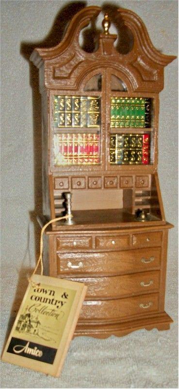 "Amico ""Town & Country"" 1771 Desk Transistor Radio (1974)"