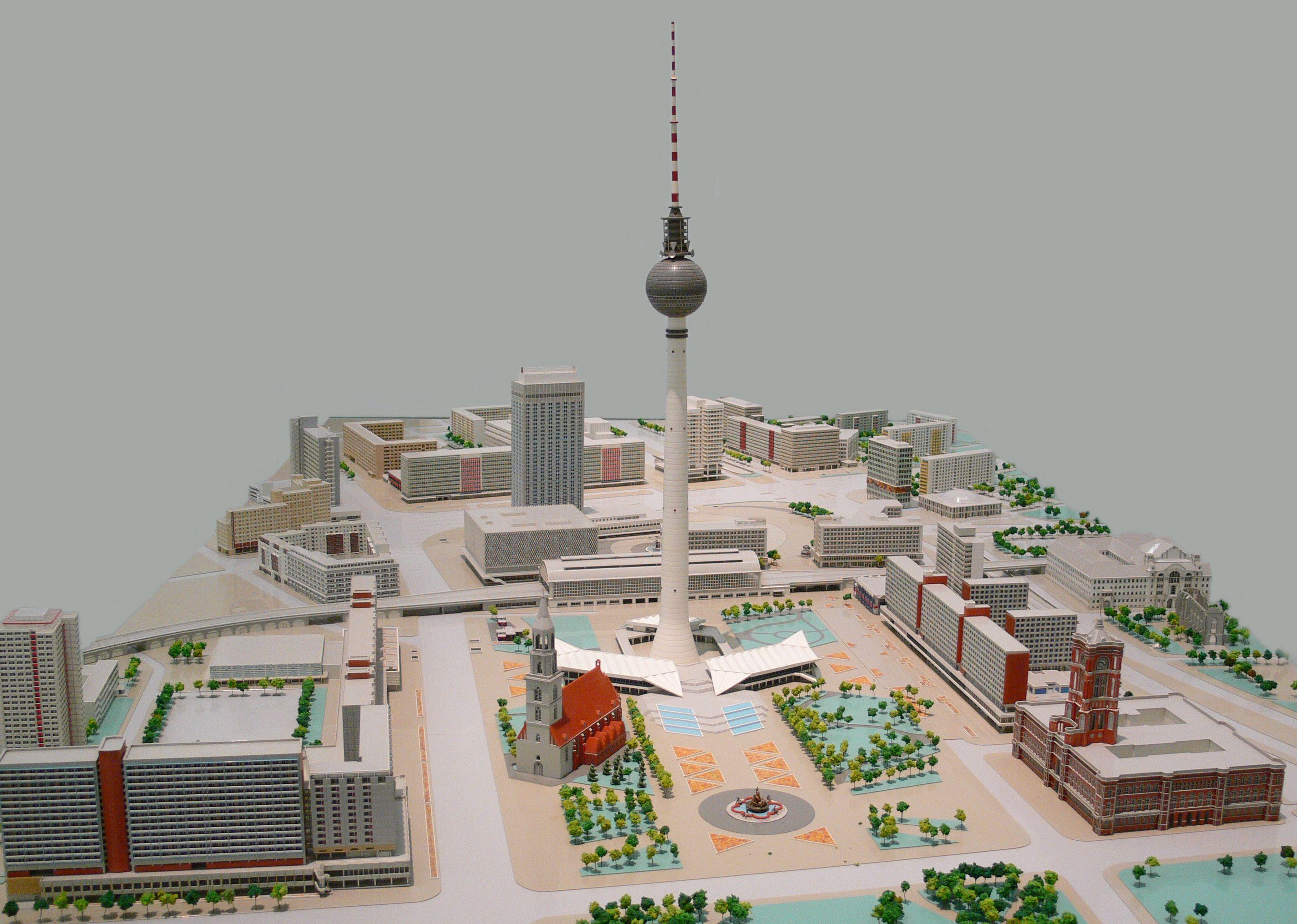 """Planmodell der DDR """"Zentrumsbereich Ost-Berlin"""", Marx-Engels-Forum bis Alexanderplatz, 1987"""