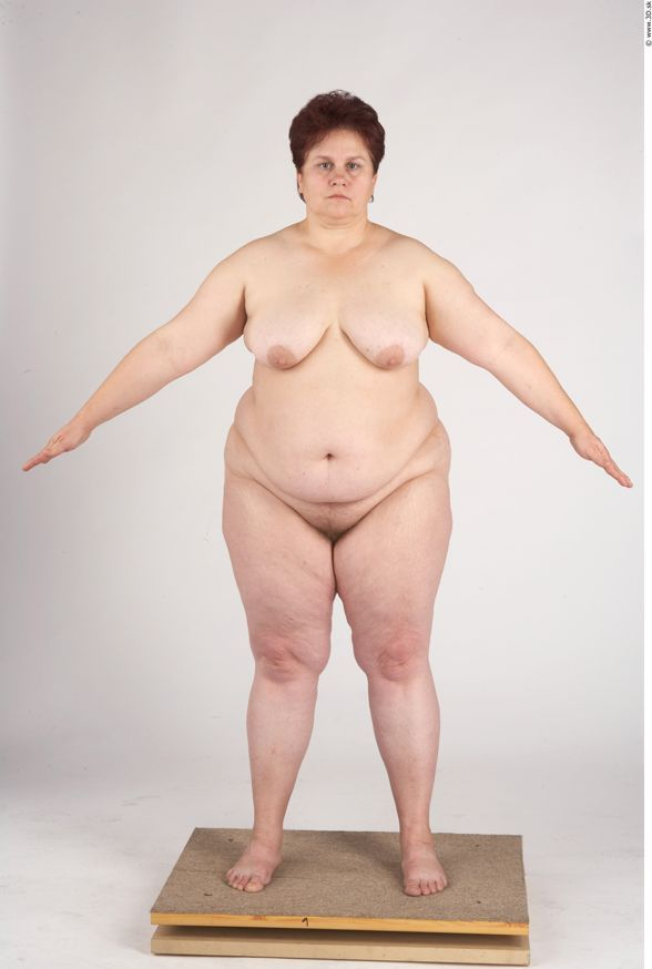 Naked fat girl posing
