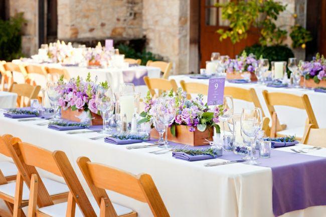 Ideen Fur Sommer Hochzeit Tischdeko Mit Bunten Blumengestecken Hochzeit Tischanordnung Tischdeko Hochzeit Tischdekoration