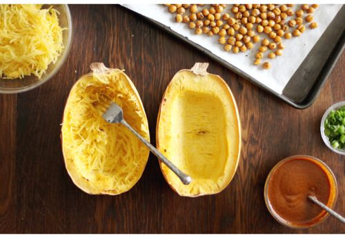 vegan-yums:  Spaghetti squash curry with roasted chickpeas...