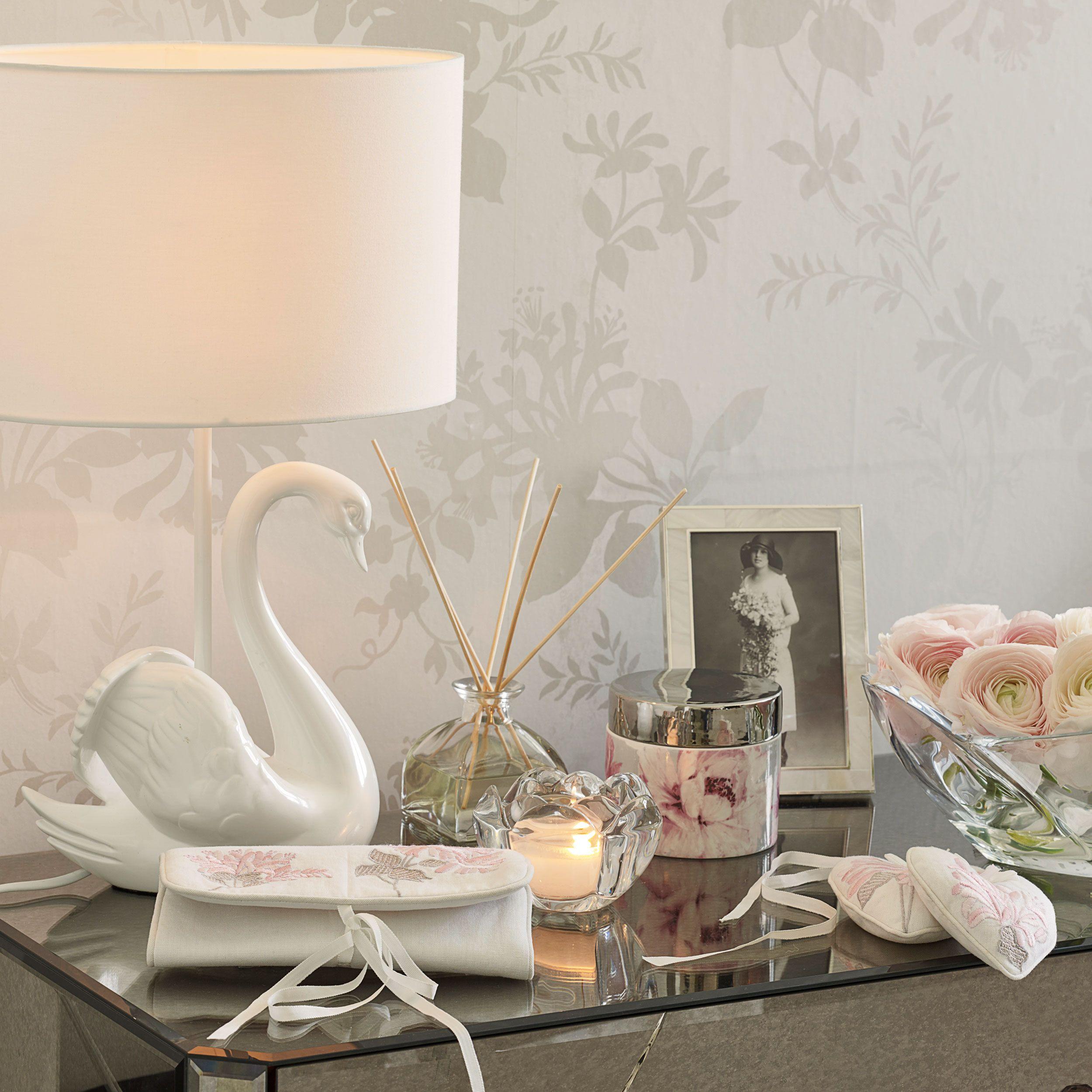 Laura Ashley Swan Complete Lamp Romantic Decor