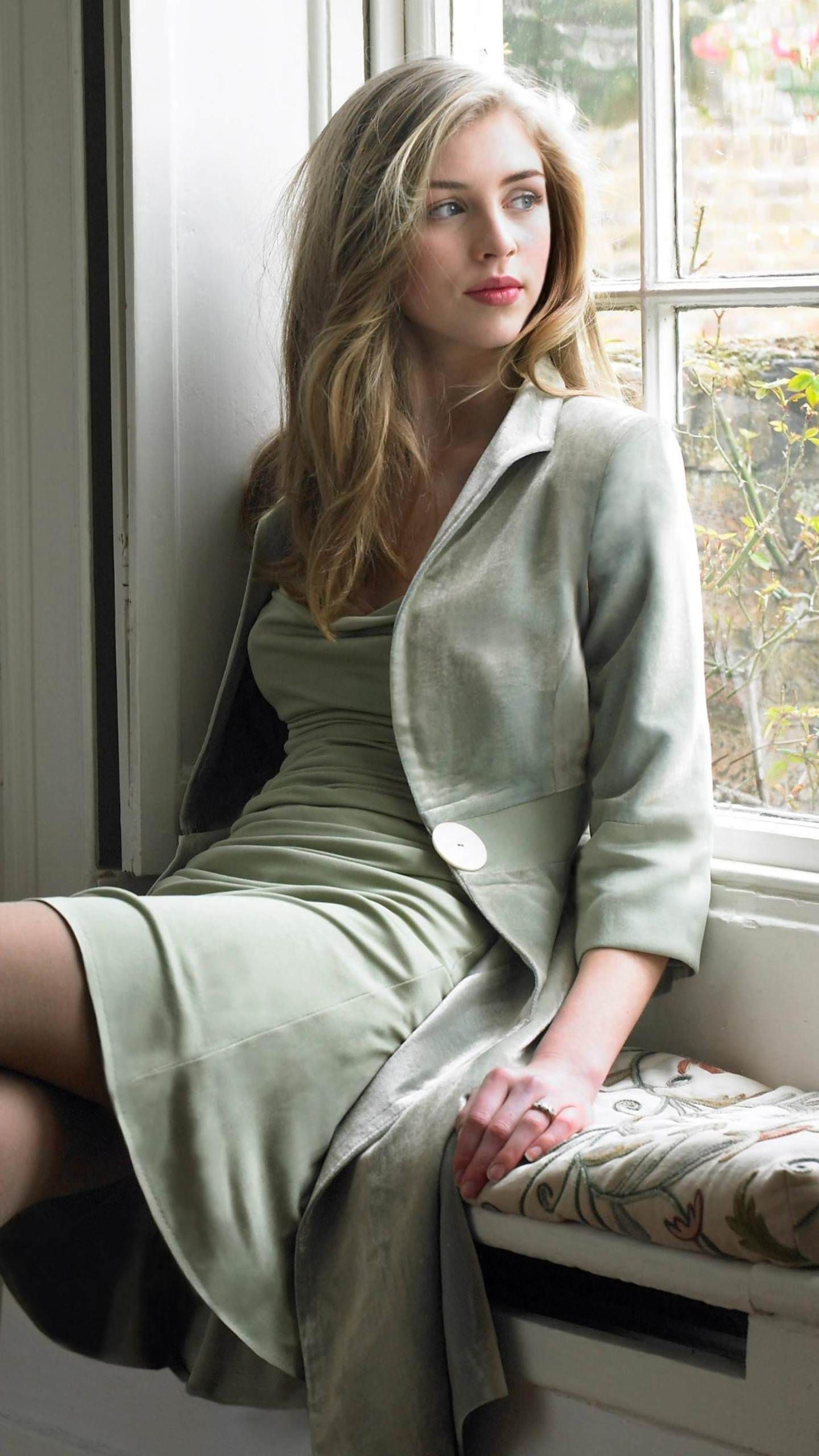 Hermione Corfield (born 1993)