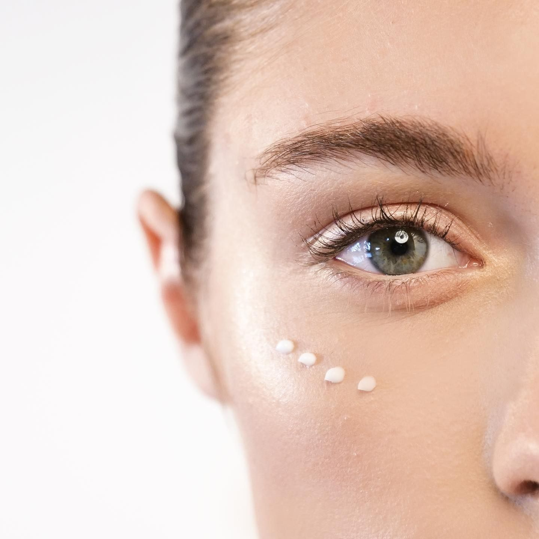 Volufiline Eye Serum Is A Delicate Lightweight Non Greasy Serum That Is Truly Effective In Reducing Fine L Contorno De Ojos Mejor Crema Para Ojos Arrugas