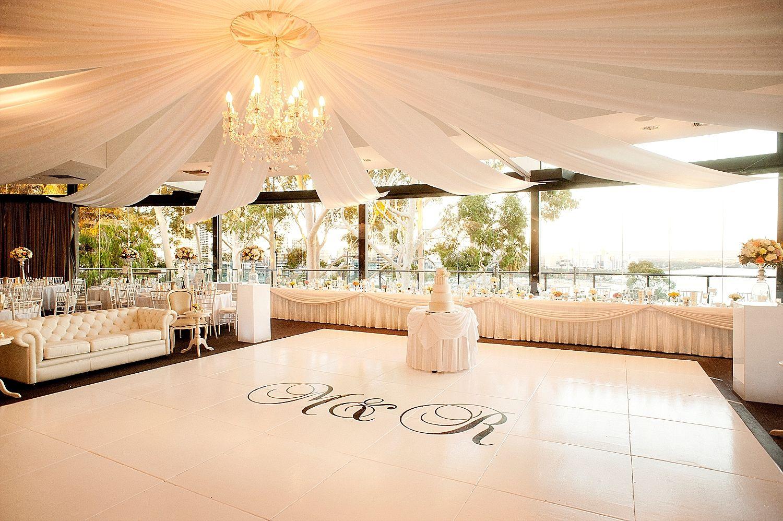 State Reception Centre Fraseru0027s Kingu0027s Park wedding