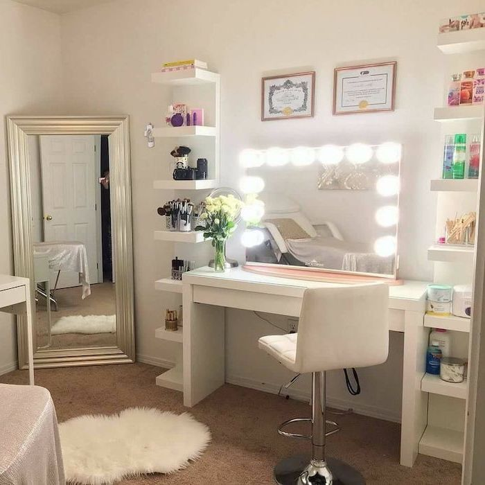 White Leather Stool Mirror With Lights Makeup Vanity Chair White Table And Shelves Lots Of Products Dressing Table Decor Beauty Room Vanity Beauty Room