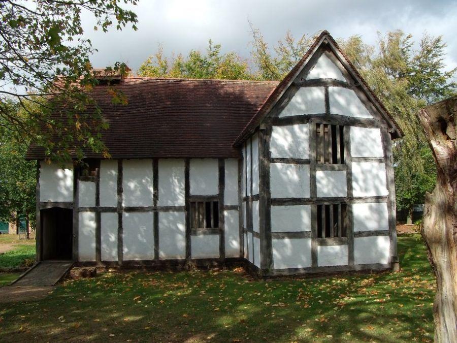 Tudor houses google zoeken tudor pinterest tudor for Tudor house