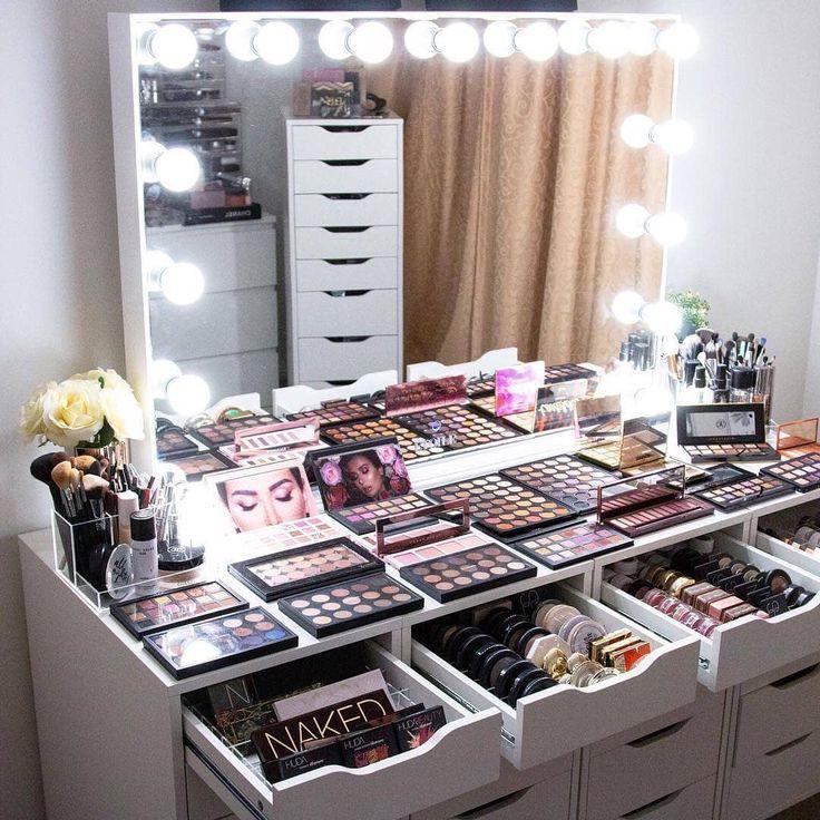 Ig Bold Beautycollective Idees De Coiffeuse Rangement Makeup Deco Chambre Ados