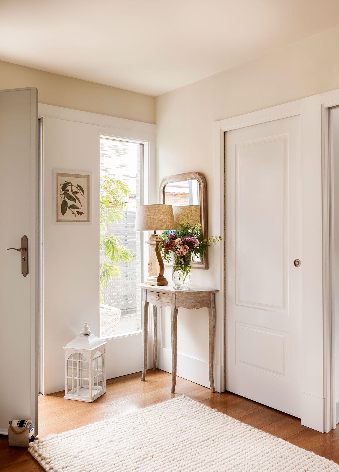 Recibidores y pasillos buenas ideas para decorarlos y - Entraditas pequenas ikea ...