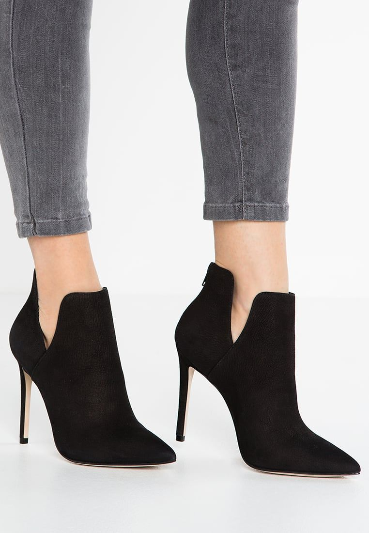 2a5911c429c7 steve madden heels lace up