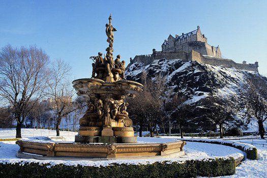 Het Schotse #Edinburgh #Schotland #TravelBird #stedentrip #citytrip #reizen #fontein