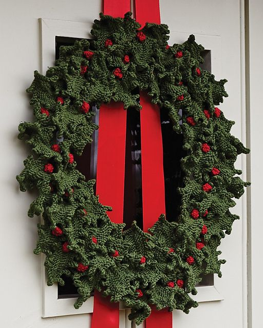23 Holly Wreath Pattern By Rosy Tucker Holly Wreath Wreaths And