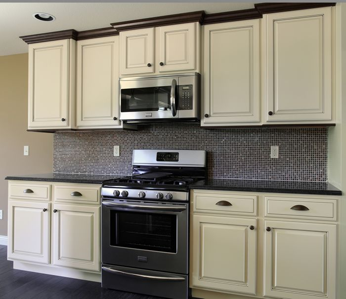 Overlay Kitchen Cabinet Doors: Cabinets: Linen Maple With Mocha Glaze, Standard Overlay