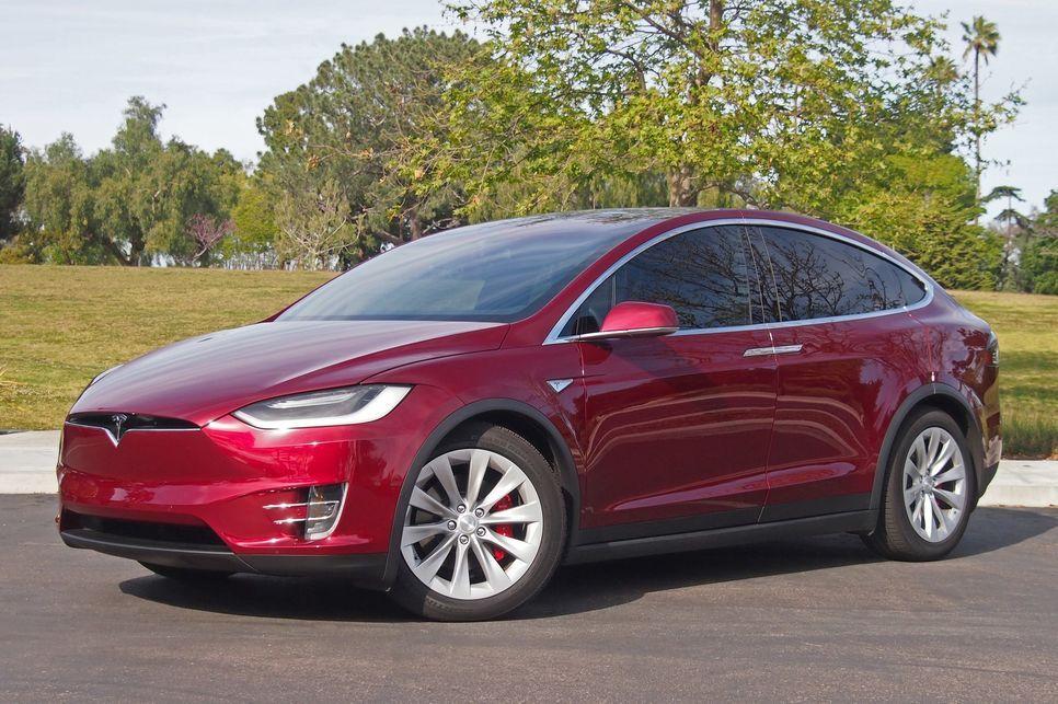 Red Tesla Model X P90d Tesla Model X Tesla Model Tesla