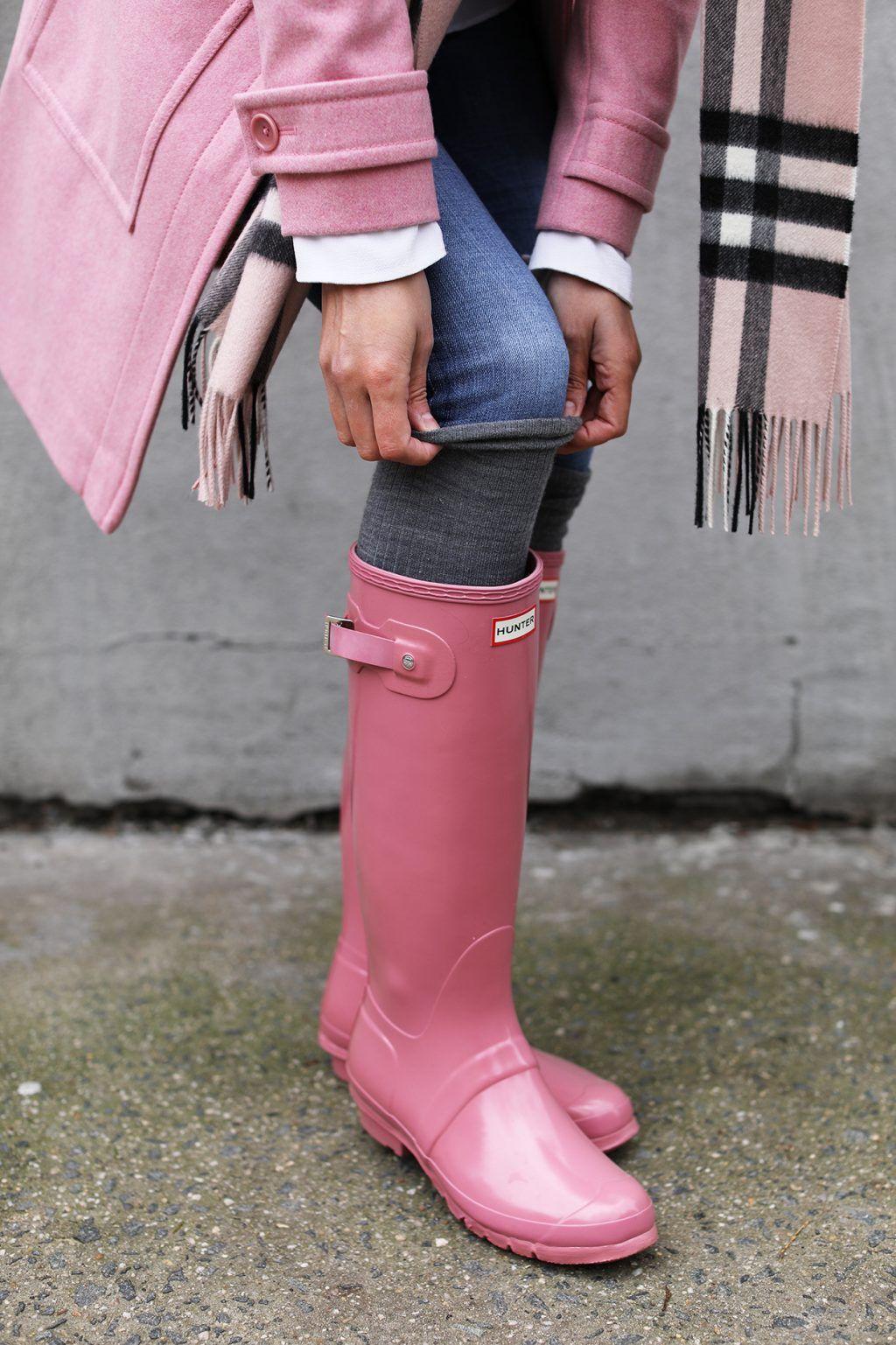 e2d6632de438 BLUSH // RAINY DAY   •Hunter boots style•   Botas de lluvia, Moda ...