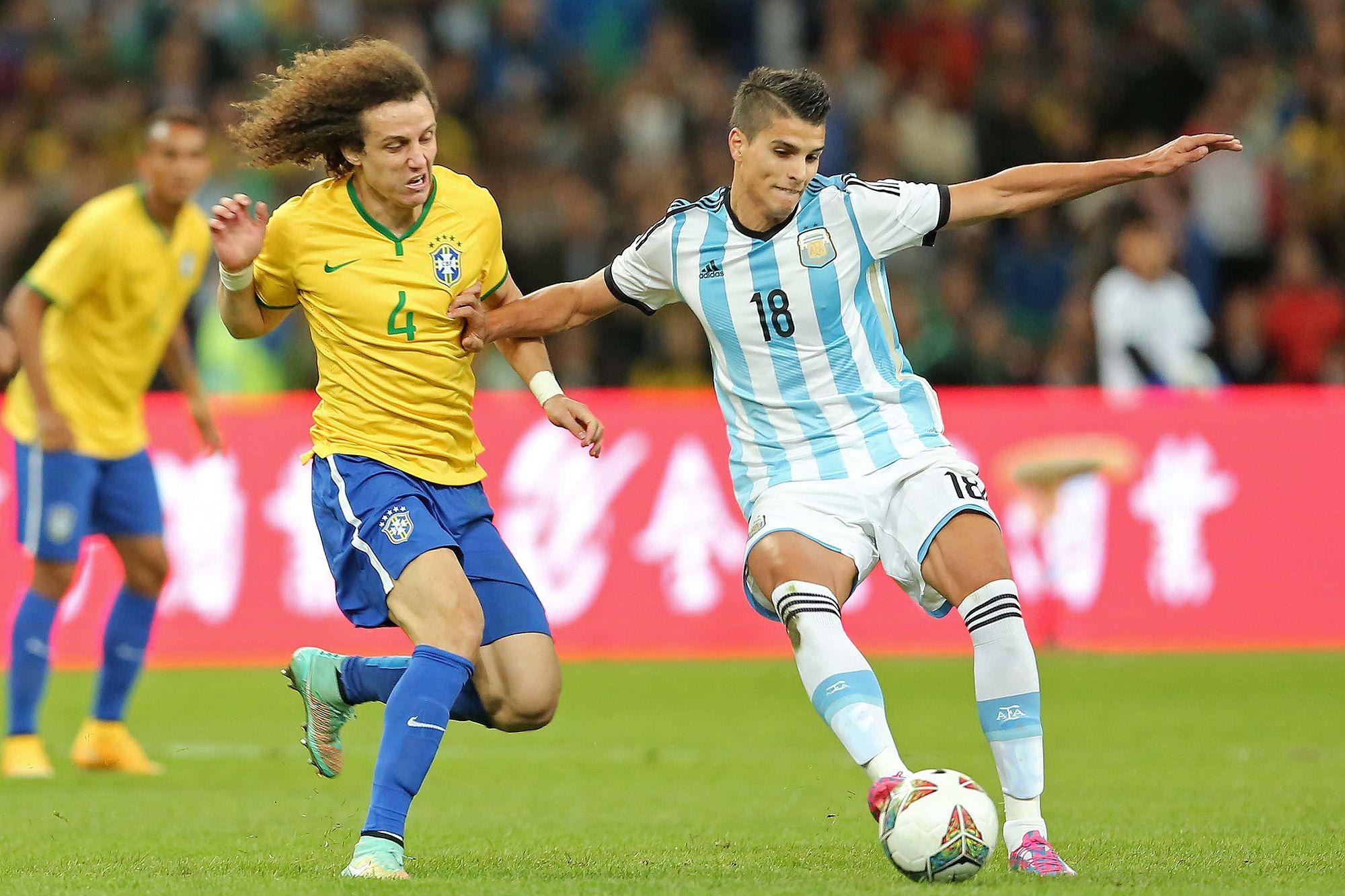 David Luiz não enfrenta o Japão e deve ser substituído por Gil #globoesporte