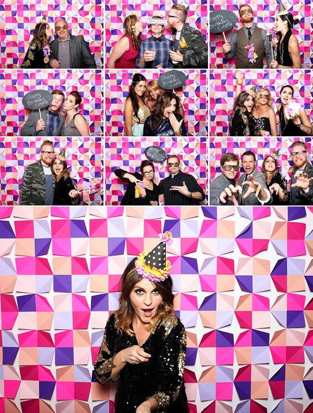 Knallbunte DIY Fotowand für die Party zu Hause >> tomfoolerysf photobooth san francisco paper backdrop