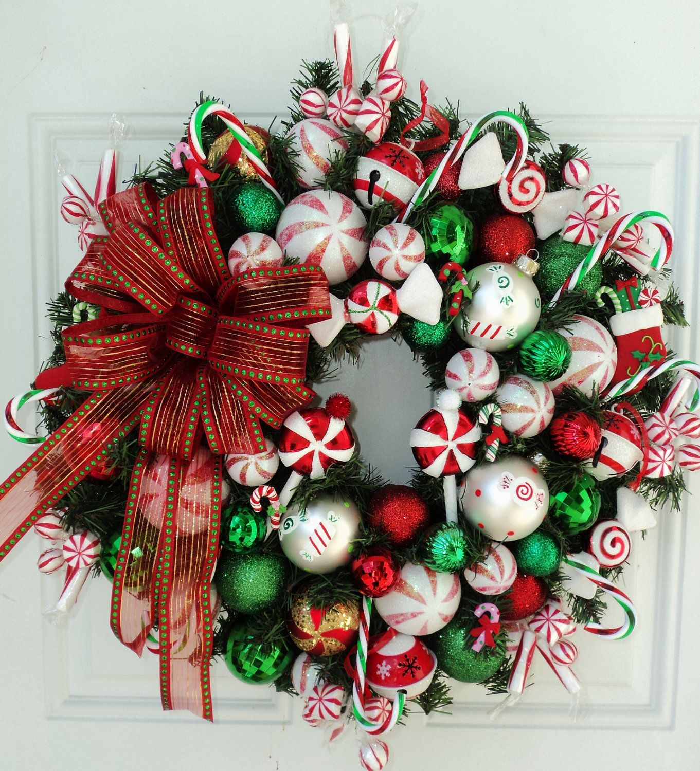 Make a diy christmas wreaths yourself to celebrate the Christmas wreaths to make