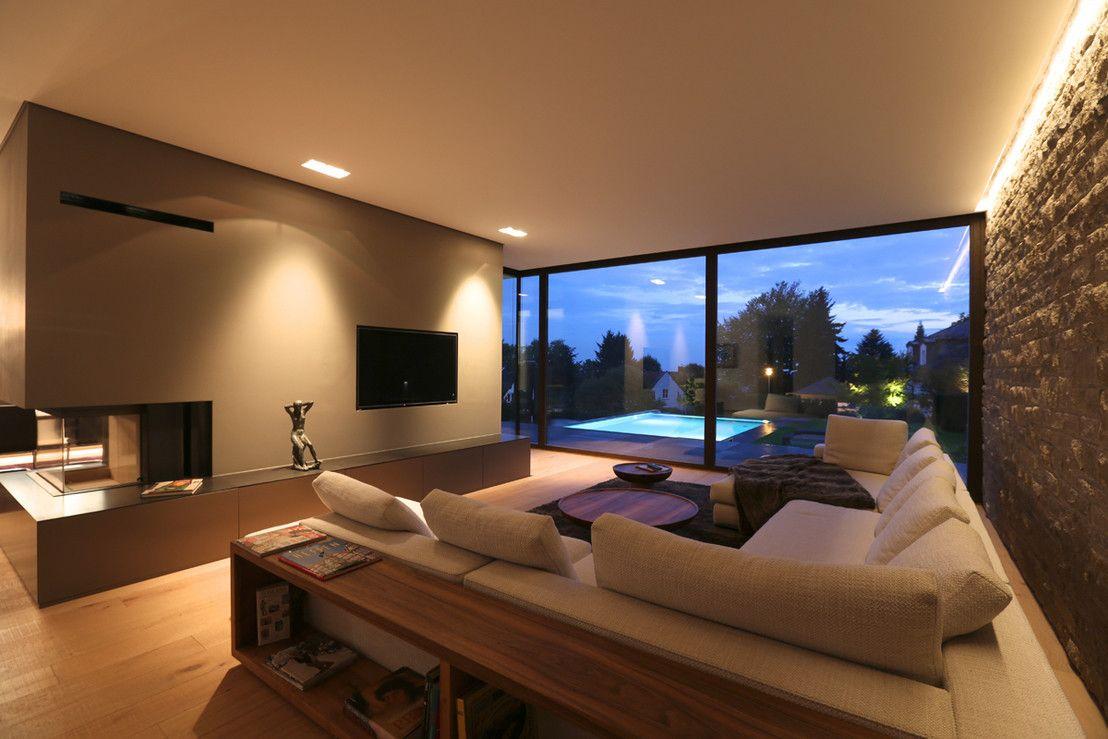 moderne villa mit pool deckenbeleuchtung wohnzimmerdeckenleuchte - Moderne Wohnzimmer