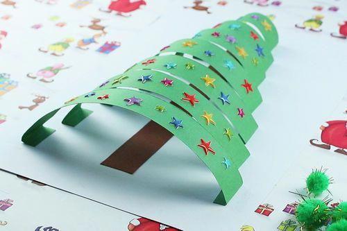 Sapin 3D avec des bandes de papier - Noël - 10 Doigts