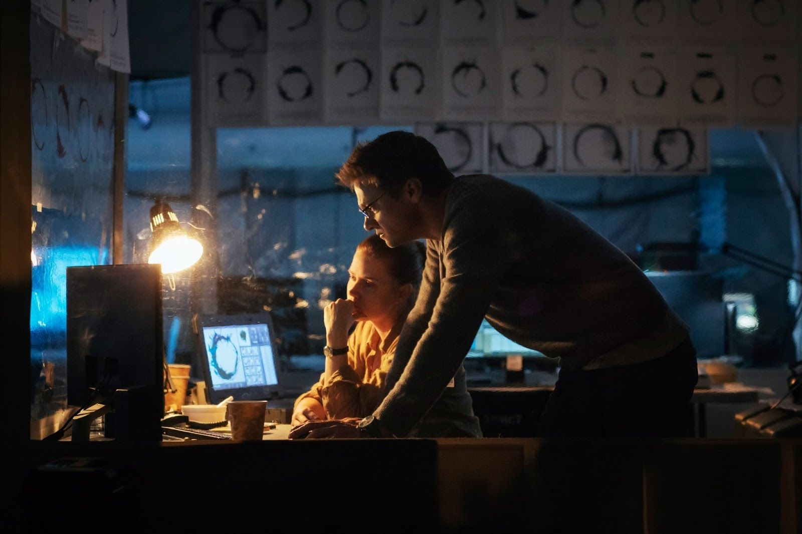Movie Review: Arrival http://www.datelinemovies.com/2017/03/movie-review-arrival.html  #AmyAdams #JeremyRenner  #ForestWhitaker #MichaelStuhlbarg #Arrival #DenisVillienueve #Alien #Heptapods #MovieReview